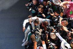Race winner Lewis Hamilton, Mercedes-AMG F1 celebrates in parc ferme
