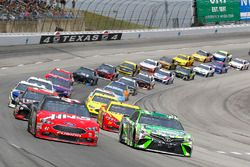 Kyle Busch, Joe Gibbs Racing, Toyota Camry Interstate Batteries restart