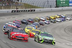 Kyle Busch, Joe Gibbs Racing, Toyota Camry Interstate Batteries restart