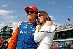 Scott Dixon, Chip Ganassi Racing Honda con su esposa Emma
