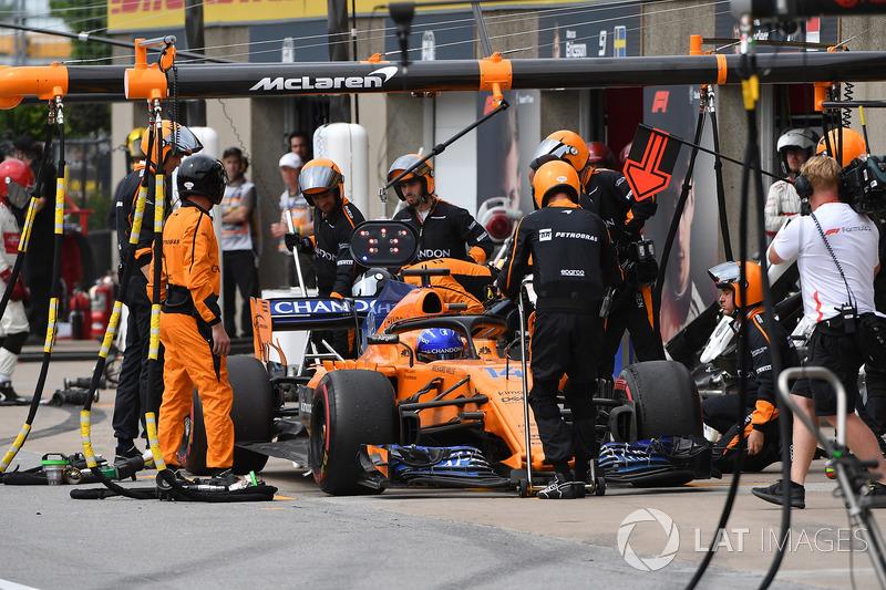 Fernando Alonso, McLaren MCL33 abandonne