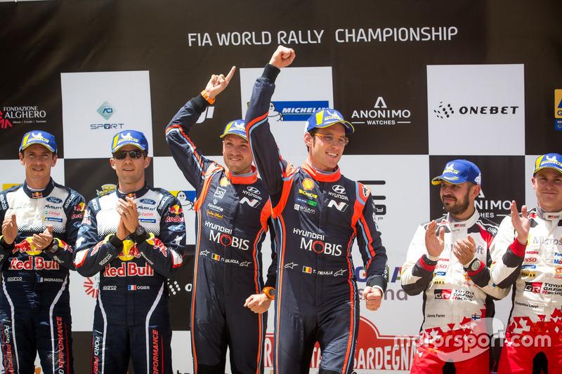 Podium: Winners Thierry Neuville, Nicolas Gilsoul, Hyundai Motorsport Hyundai i20 Coupe WRC, second