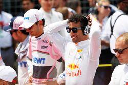 Esteban Ocon, Force India, et Daniel Ricciardo, Red Bull Racing, sur la grille avant le départ