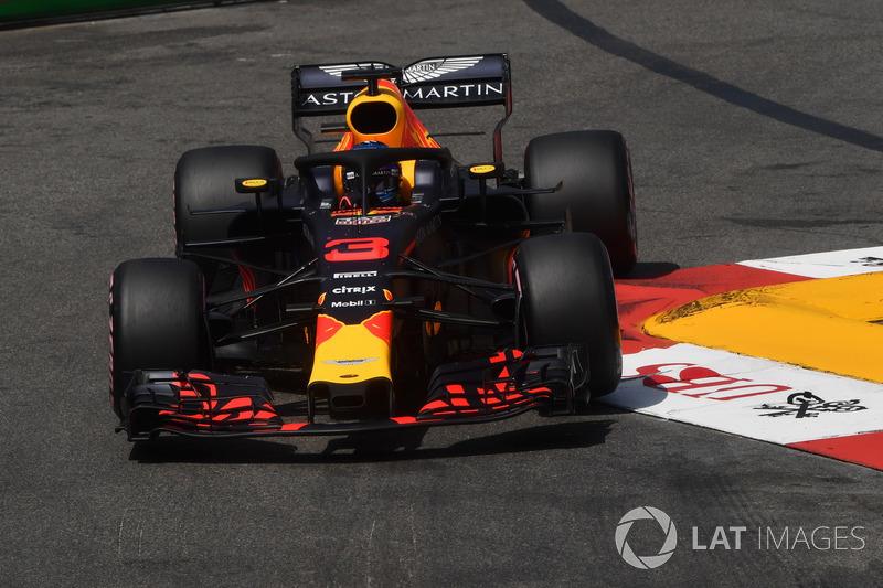 Ricciardo nadat hij pole pakt in de kwalificatie