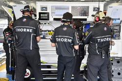 Kasey Kahne, Leavine Family Racing, Chevrolet Camaro Thorne crew