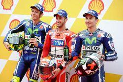 Il poleman Andrea Dovizioso, Ducati Team, il secondo qualificato Valentino Rossi, Yamaha Factory Rac