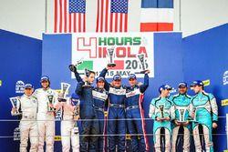 Podium: les vainqueurs LMP3 #2 United Autosports Ligier JSP3 - Nissan: Alex Brundle, Mike Guasch, Christian England, les deuxièmes #11 Eurointernational Ligier JSP3 - Nissan: Giorgio Mondini, Andrea Roda, Marco Jacoboni, les troisièmes #16 Panis Barthez Competition Ligier JSP3 - Nissan: Eric Debard, Valentin Moineault, Simon Gachet