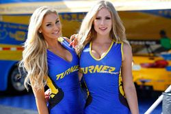 Hermosas chicas Turner Motorsport