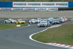Départ : Robert Wickens, Mercedes-AMG Team HWA, Mercedes-AMG C63 DTM