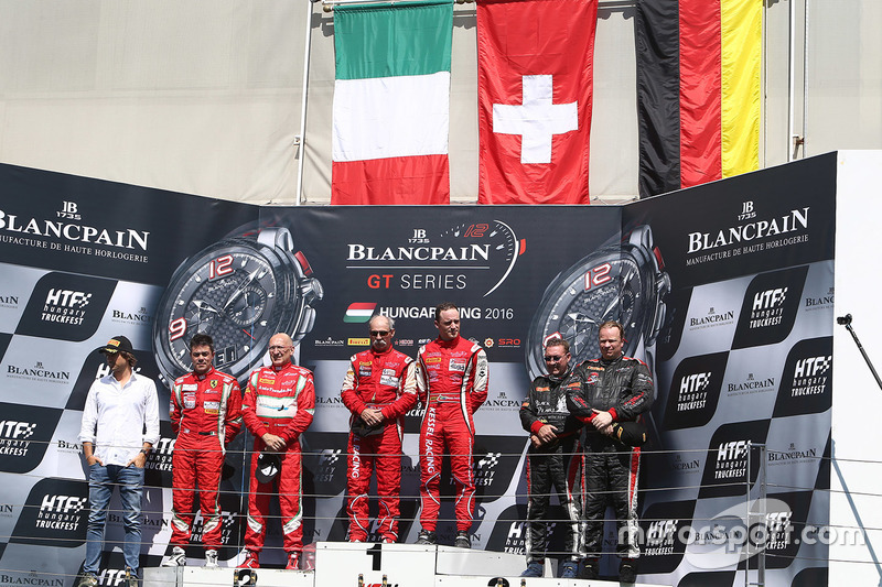 Am podium: winners Stephen Earle, David Perel, second place Claudio Sdanewitsch, Rino Mastronardi, t