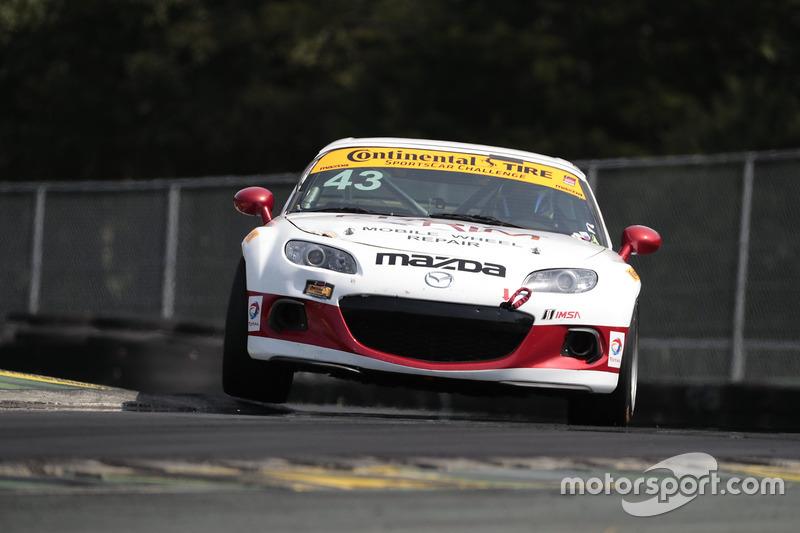 #43 Alara Racing Mazda MX-5: Terry Borcheller, Mike LaMarra