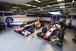 Wagens van Jordan King, Racing Engineering en Luca Ghiotto, Trident
