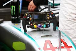 Le volant de Lewis Hamilton, Mercedes AMG F1 W07 Hybrid