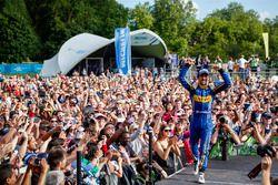 Winnaar Nicolas Prost, Renault e.Dams op het podium