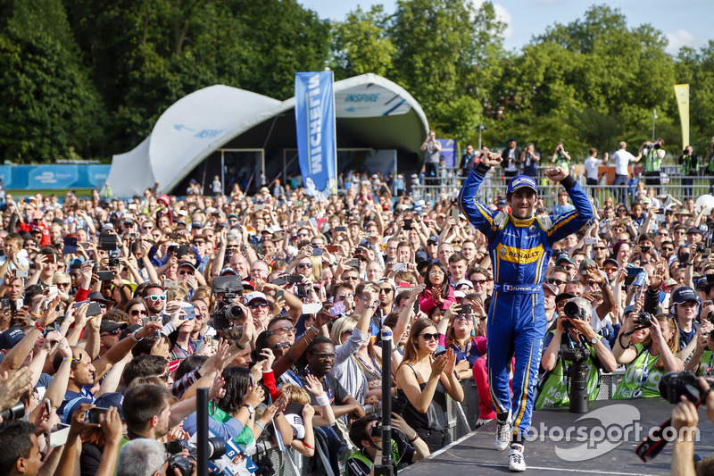 The Podium: Race winner Nicolas Prost, Renault e.Dams