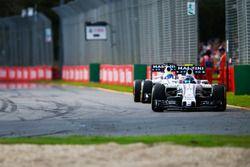 Valtteri Bottas, Williams FW38 lidera a su compañero Felipe Massa, Williams FW38