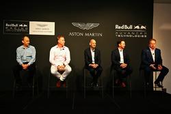 Andy Palmer, PDG d'Aston Martin, Christian Horner, team principal Red Bull Racing, Adrian Newey, directeur technique Red Bull Racing, Marek Reichman, directeur de la création et du design d'Aston Martin