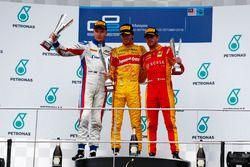 Podio: Antonio Giovinazzi, PREMA Racing Sergey Sirotkin, ART Grand Prix y Norman Nato, Racing Engine