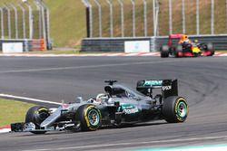 Lewis Hamilton, Mercedes AMG F1, W07 Hybrid