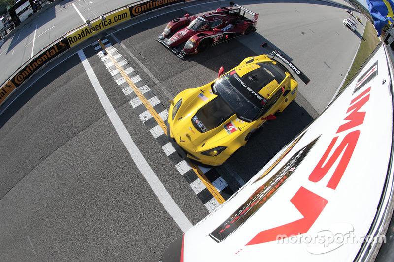 3. #4 Corvette Racing Chevrolet Corvette C7.R: Oliver Gavin, Tommy Milner