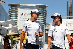 Fernando Alonso, McLaren y Jenson Button, McLaren