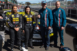 Simona de Silvestro and Renee Gracie, Harvey Norman Supergirls Nissan, Craig Lowndes and Steven Richards, Triple Eight Race Engineering Holden with the Peter Brock Trophy
