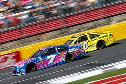 Regan Smith, Tommy Baldwin Racing Chevrolet, Matt Kenseth, Joe Gibbs Racing Toyota