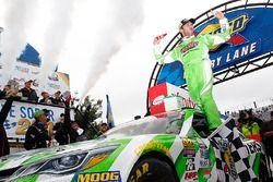 Yarış galibi Daniel Suarez, Joe Gibbs Racing Toyota