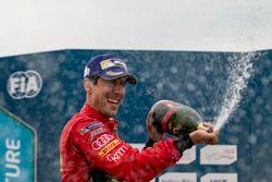 Podium: deuxième place Lucas di Grassi, ABT Schaeffler Audi Sport