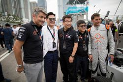 Loic Duval, Dragon Racing with guests
