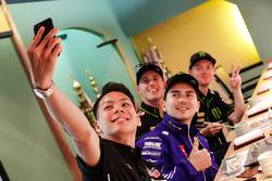 Takaaki Nakagami, Honda Team Asia, Jorge Lorenzo, Yamaha Factory Racing, Pol Espargaro, Monster Yama