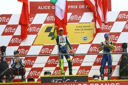 Podium : le vainqueur Valentino Rossi, Yamaha; le deuxième Jorge Lorenzo, Yamaha; et le troisième Colin Edwards, Tech 3