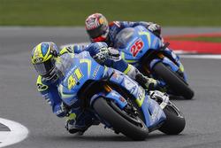 Aleix Espargaro, Team Suzuki MotoGP; Maverick Viñales, Team Suzuki MotoGP