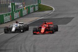 Sebastian Vettel, Ferrari SF71H en Marcus Ericsson, Sauber C37