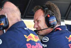 Christian Horner, directeur de Red Bull Racing sur le muret des stands