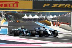 Lance Stroll, Williams FW41, Valtteri Bottas, Mercedes AMG F1 W09, Sergey Sirotkin, Williams FW41