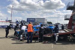 #5 CEFC TRSM RACING Ginetta G60-LT-P1: Charles Robertson, Michael Simpson, Leo Roussel de retour dans le paddock après un ennui technique