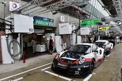 Автомобили Porsche 911 RSR (№93 и №94) команды Porsche GT Team