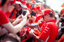 Kimi Raikkonen, Ferrari zet handtekeningen