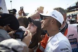 Lewis Hamilton, Mercedes AMG F1, meets some fans