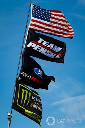 Monster Energy Playoff flag, Team Penske, Ford