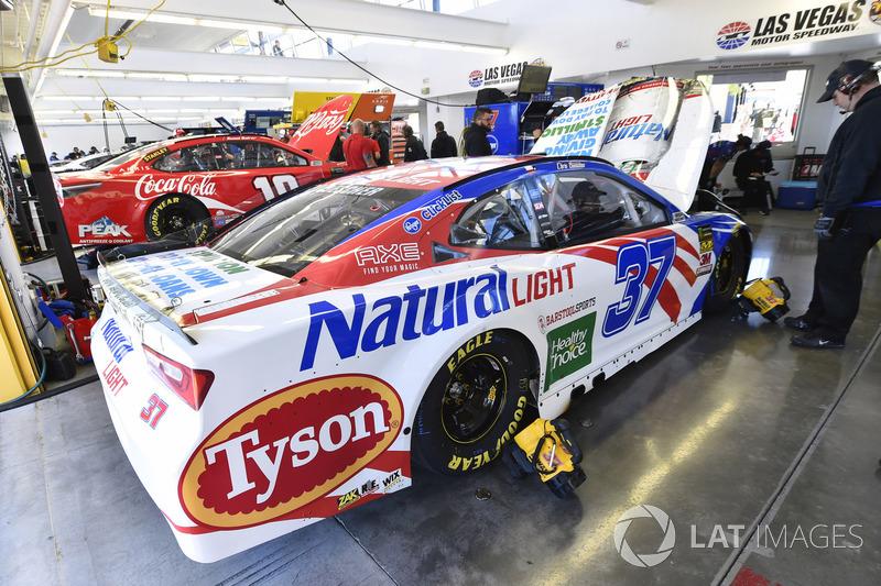 Chris Buescher, JTG Daugherty Racing, Chevrolet Camaro Natural Light
