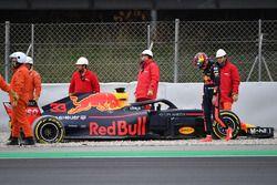 Max Verstappen, Red Bull Racing RB14 in de grindbak