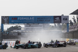Luca Filippi, NIO Formula E Team, at the start of the race