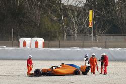 Fernando Alonso, McLaren MCL33 crash