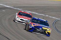 Kyle Busch, Joe Gibbs Racing, Toyota Camry M&M's Caramel, Paul Menard, Wood Brothers Racing, Ford Fu