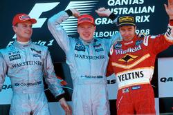 Podium: winnaar Mika Hakkinen, McLaren, tweede David Coulthard, McLaren, derde Heinz-Harald Frentzen