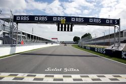 Tribute to Gilles Villeneuve, on the circuit