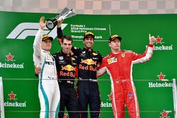 Race winner Daniel Ricciardo, Red Bull Racing, second place Valtteri Bottas, Mercedes-AMG F1, third place Kimi Raikkonen, Ferrari