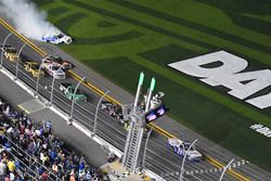 Johnny Sauter, GMS Racing, Allegiant Airlines Chevrolet Silverado takes the checkered flag
